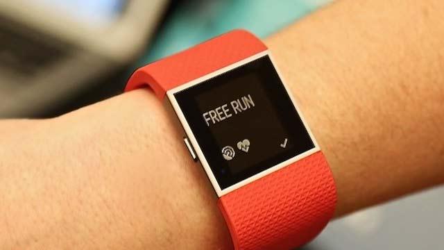 fitbit-surge-smartwatch-oranje